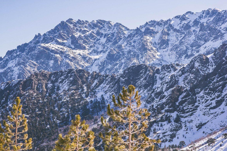 Decouvrir les montagne et la vallee d'Asco en Corse : randonnee circuit GR20