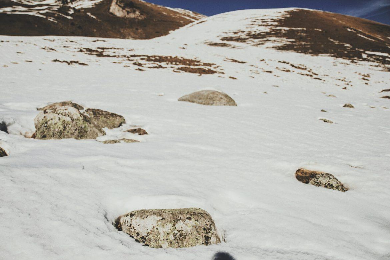Randonnee raquette dans les hautes Pyrenées jusqu'au lac de L'oule
