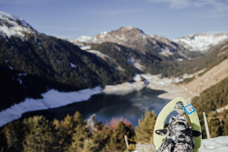 Randonnée raquettes dans les Pyrénées (lac de l'Oule)