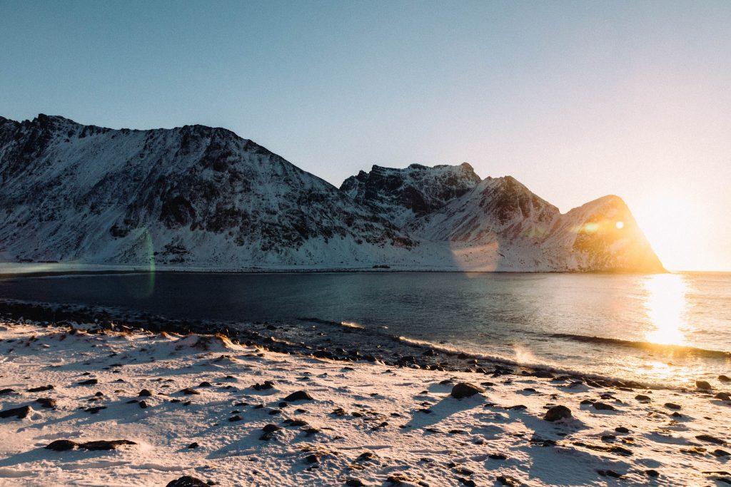 Plage sur les iles Lofoten en Hiver