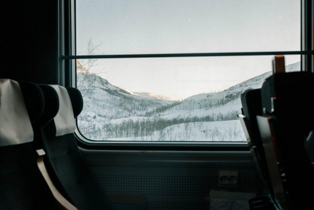 Prendre le train en Norvège du Nord