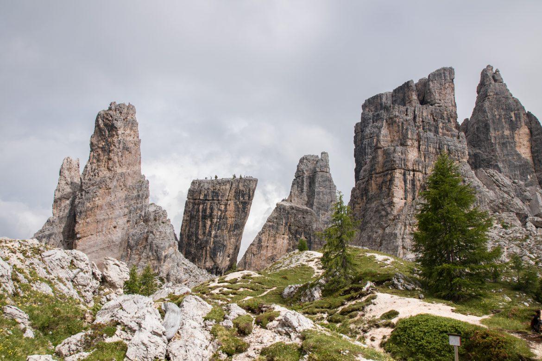 Découvrir les Dolomites en Italie : les Cinque Torri