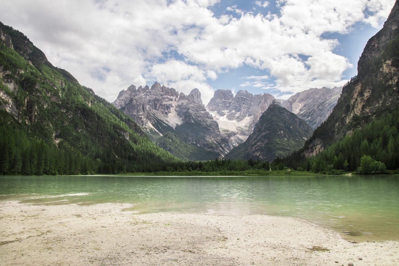 Découvrir les Dolomites en Italie : le lago di Landro