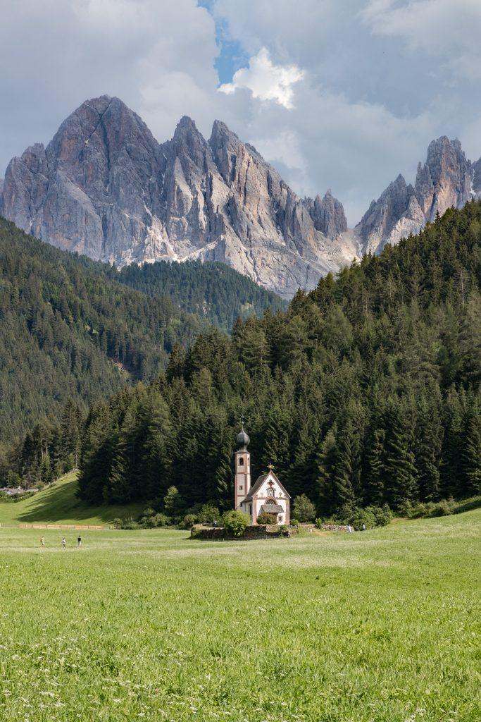 Découvrir les Dolomites en Italie : Eglise San Giovanni in Ranui - Santa Maddalena