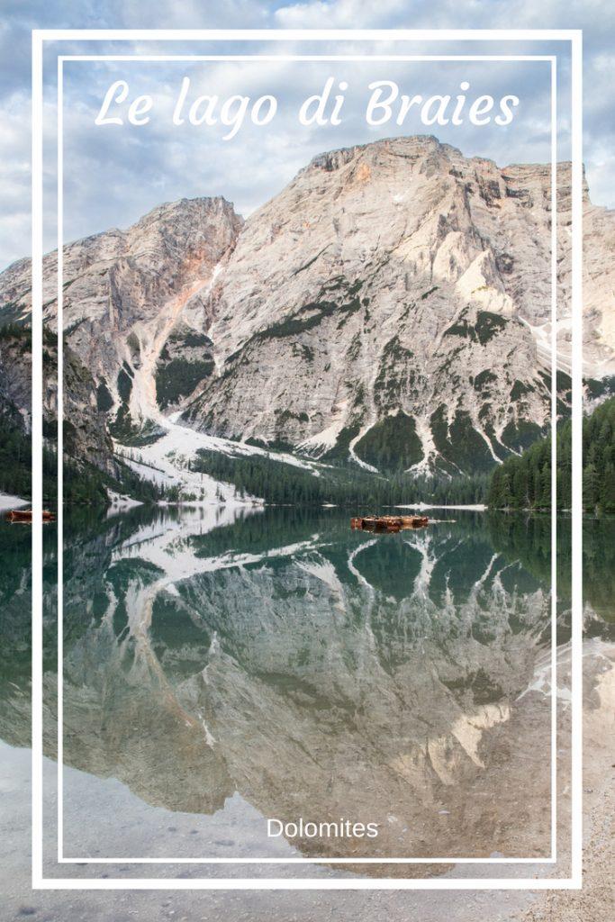 Le Lago di Braies : le plus beaux lac des Dolomites. Retrouvez tous les conseils et les randonnées du parc Naturel.