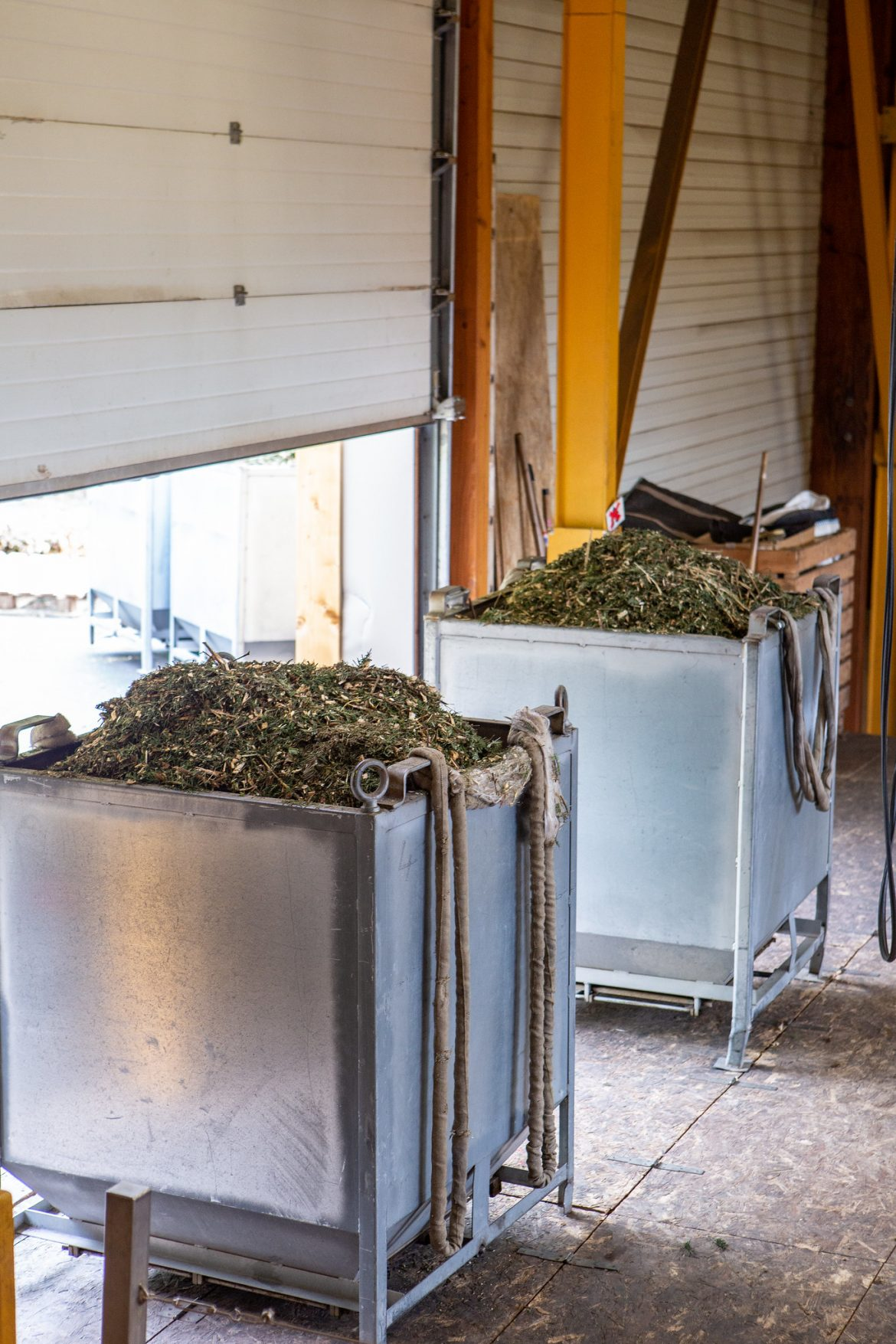 vLa Loire Forez - distillerie Abiessence - Plus beaux endroits de France