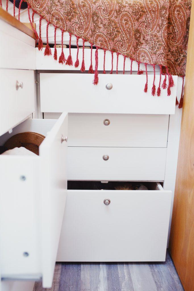 Aménager son van : construire les meubles