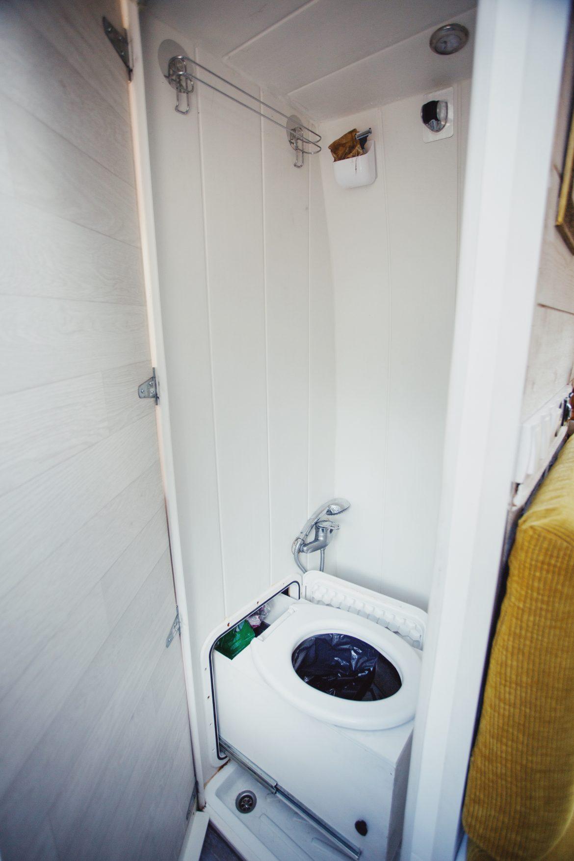 toilettes coulissantes van aménagé
