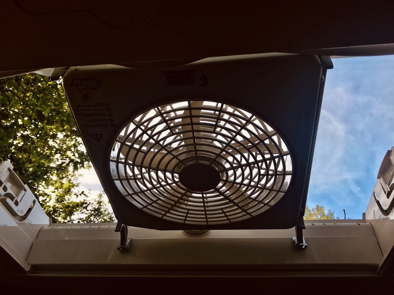 Aménager son van : ventilateur pour fourgon