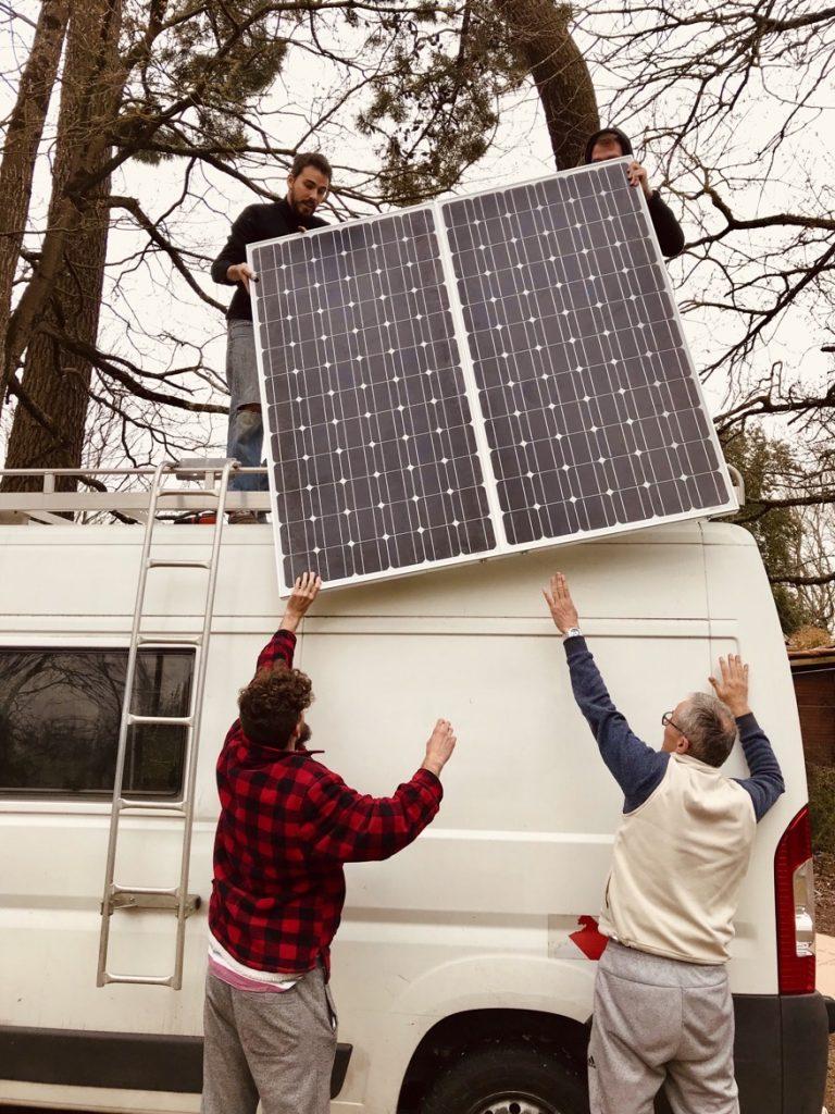 Van aménagé : les panneaux solaires